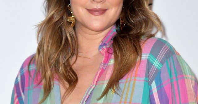 Better Than Botox! Drew Barrymore Shares Her Go-to Eyeliner Hack for an Instant Eye Lift.jpg