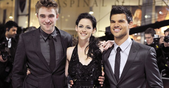 Every Time the 'Twilight' Cast Roasted the Saga: Robert Pattinson, Kristen Stewart and More.jpg