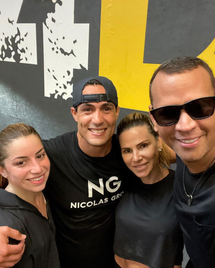 Alex Rodriguez reunites with his ex-wife Cynthia Scurtis 2 months after the separation from Jennifer Lopez: