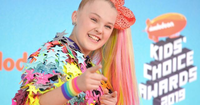 Everything JoJo Siwa Has Said About Coming Out and Her 'Amazing' Girlfriend Kylie Prew.jpg