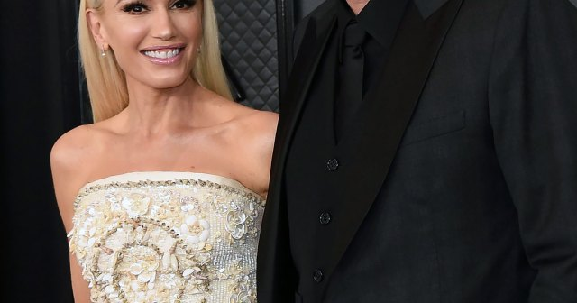 Are Gwen Stefani and Blake Shelton Already Married? A New Ring Makes Fans Wonder.jpg
