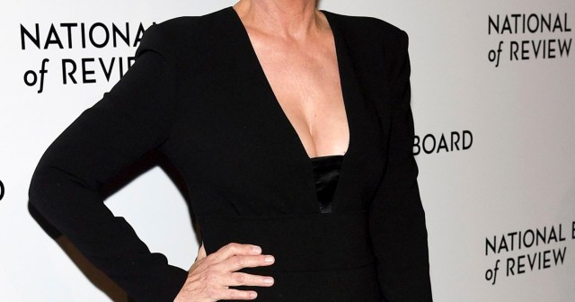 Jamie Lee Curtis 'Watched in Pride' When Her 25-Year-Old Child Came Out As Transgender.jpg
