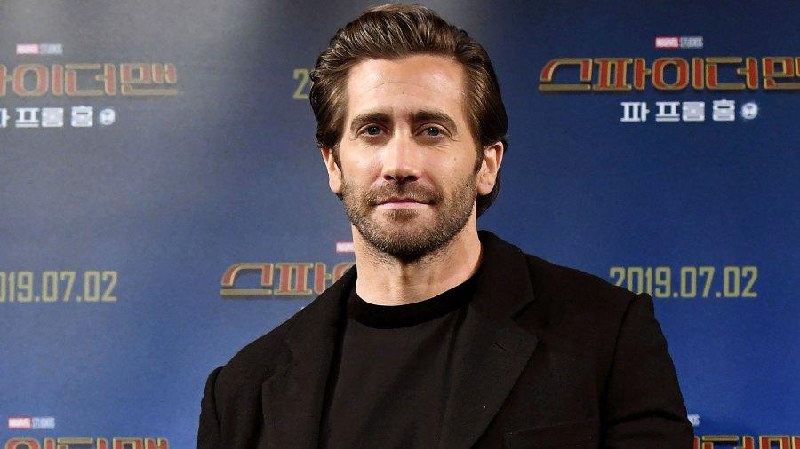 Jake Gyllenhaal Doesn't Find It 'Necessary' to Shower Often