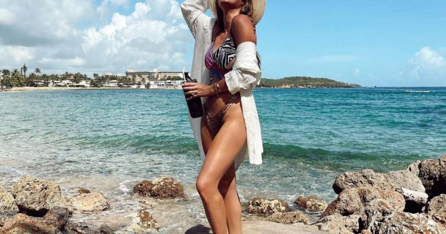 Bachelor Nation Stars Slay in Sexy Bikinis and One-Pieces: Hannah Godwin, Rachel Lindsay, Cassie Randolph and More!.jpg