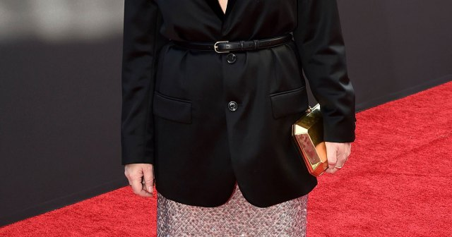 Amy Poehler's 2021 Emmys Glam Was All About Natural Beauty: '50 and Looking Gorgeous'.jpg