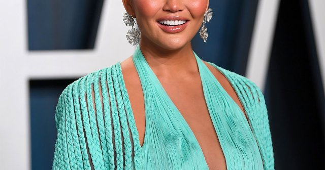 Chrissy Teigen Reveals the Results of 'Fat Removal' Surgery She Had Done on Her Face.jpg
