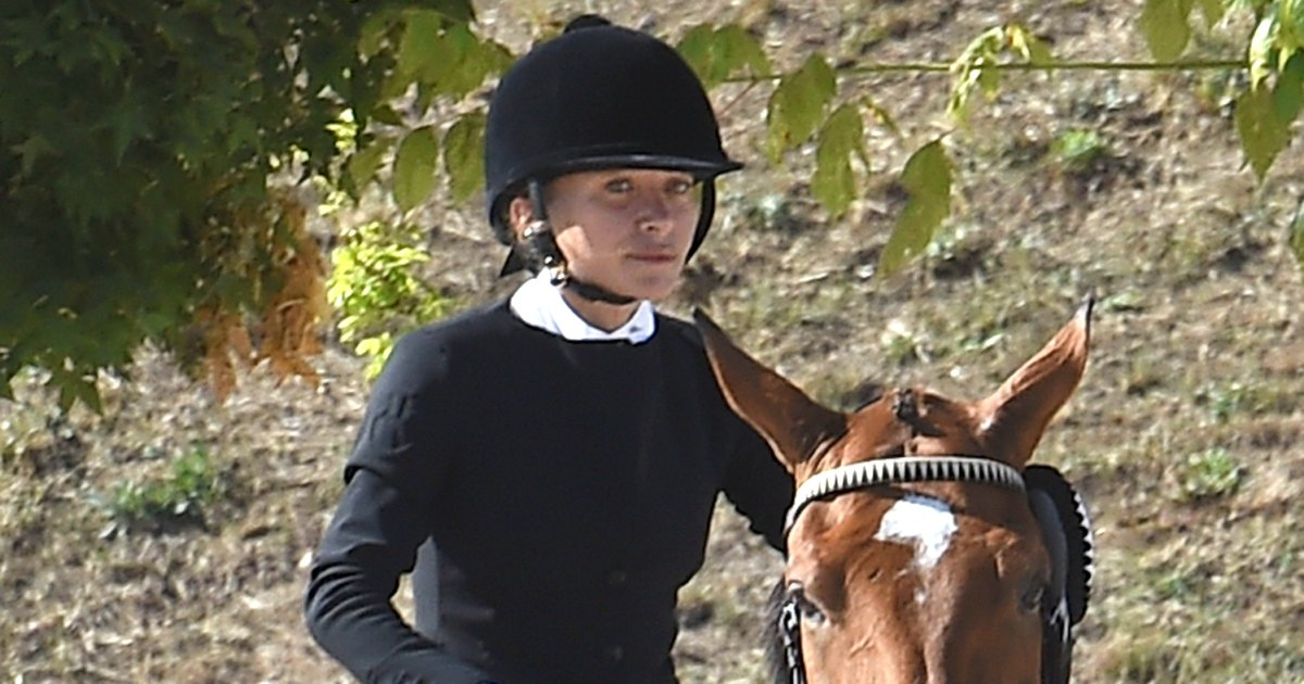 Mary-Kate-Olsen-Wins-3rd-Place-in-Longines-Equestrian-Tour-Shows-Off-Horseback-Riding-Skills-01.jpg?crop=0px,152px,1499px,788px&resize=1200,630&ssl=1&quality=86&strip=all