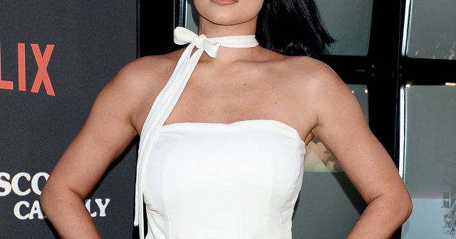 Pregnant Kylie Jenner Is Taking Motherhood '1 Day at a Time': It's a 'Balancing Act'.jpg