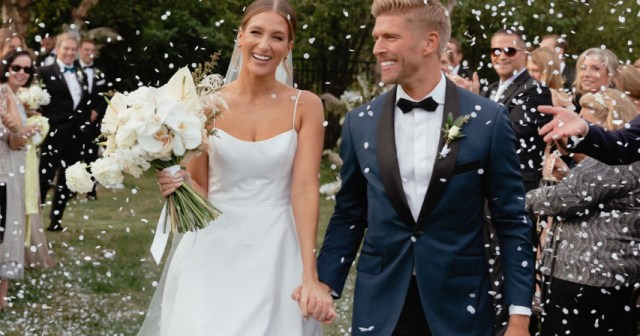 Summer House's Kyle Cooke and Amanda Batula Are Married and Share 1st Photo From the Big Day.jpg