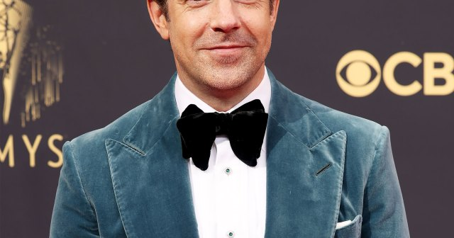 Jason Sudeikis Wins Big at the 2021 Emmys for 'Ted Lasso,' Thanks His and Olivia Wilde's Two Kids, SNL's Lorne Michaels.jpg