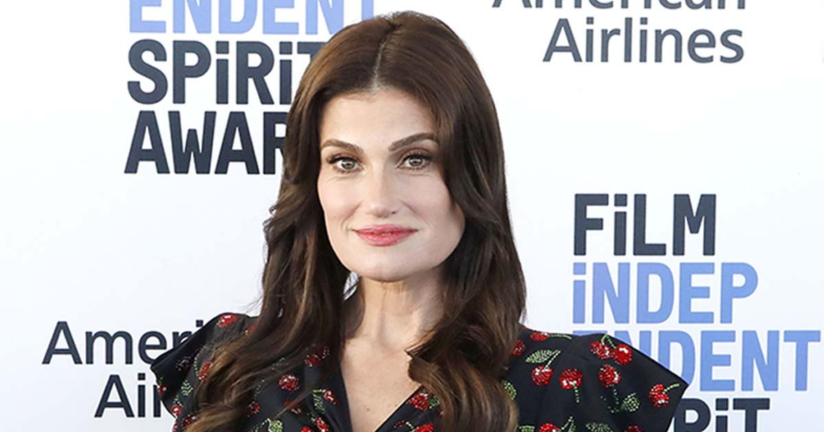 Working-Mom-Problems-Idina-Menzel-Barely-Fit-Into-Her-Glee-Costumes-001.jpg?crop=0px,0px,1200px,630px&resize=1200,630&ssl=1&quality=86&strip=all