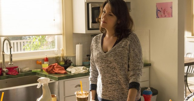 Melanie Lynskey Was Heartbroken Over 'Togetherness' Cancelation: 'It's Hard to Talk About'.jpg