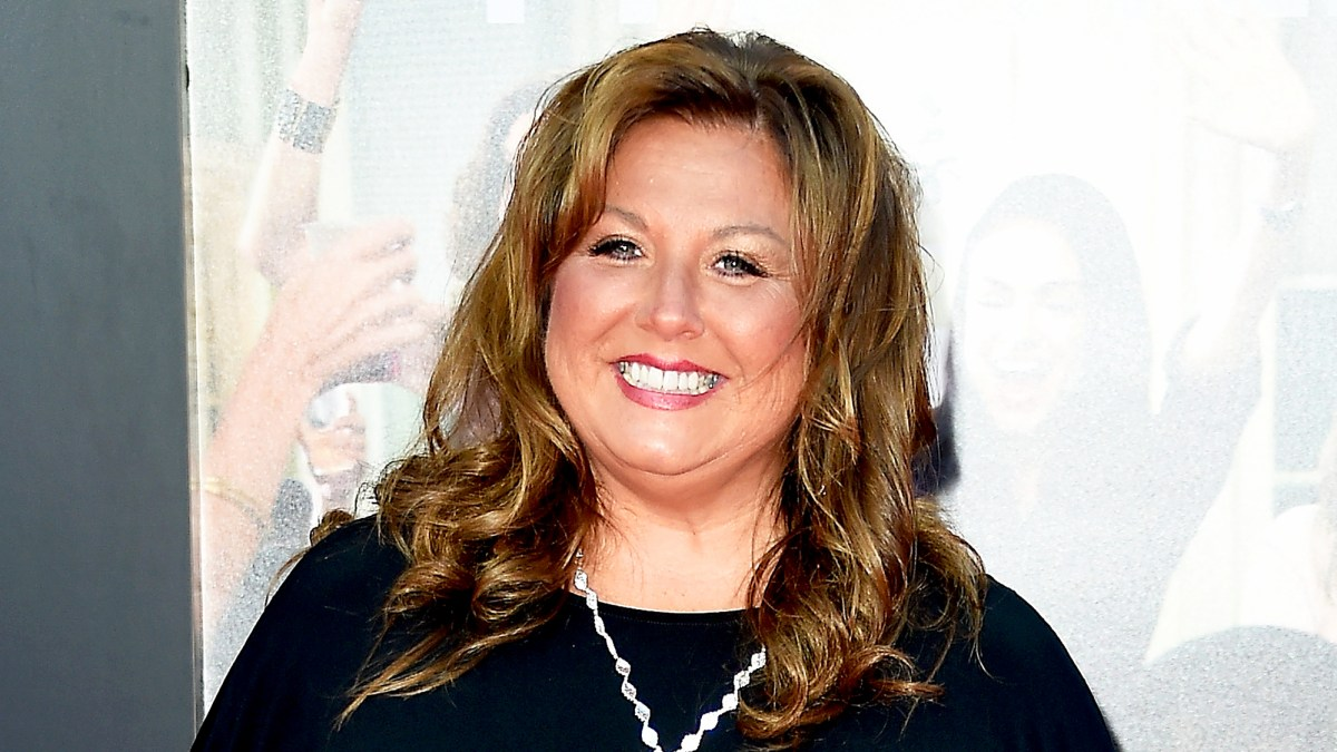 Abby lee miller reports to prison to serve 366 day sentence altavistaventures Images