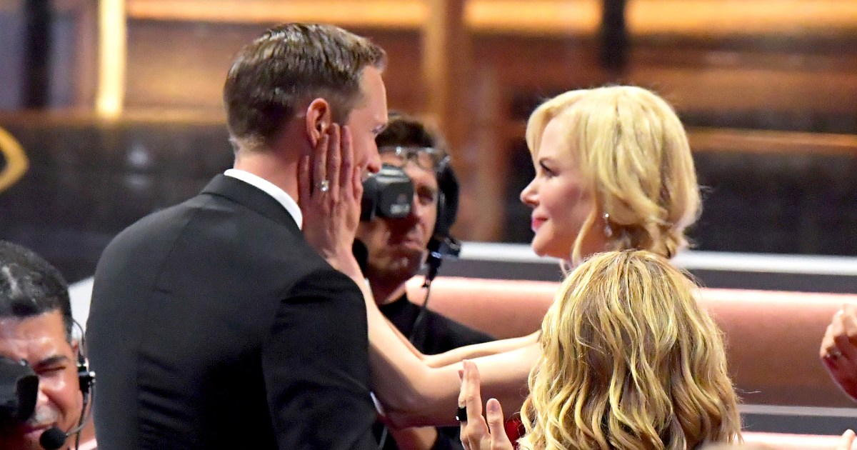 Emmys 2017 Nicole Kidman Alexander Skarsgard Kiss Freak