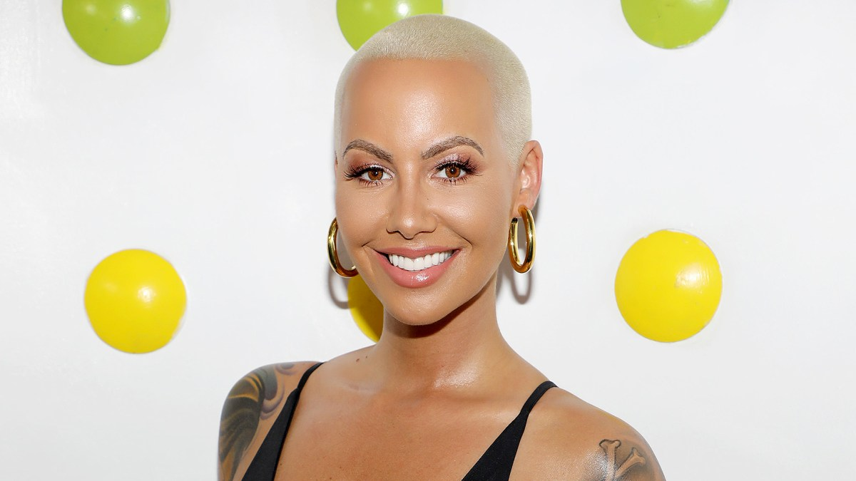 Amber Rose Looks Totally Different With Long Wavy Hair Pic