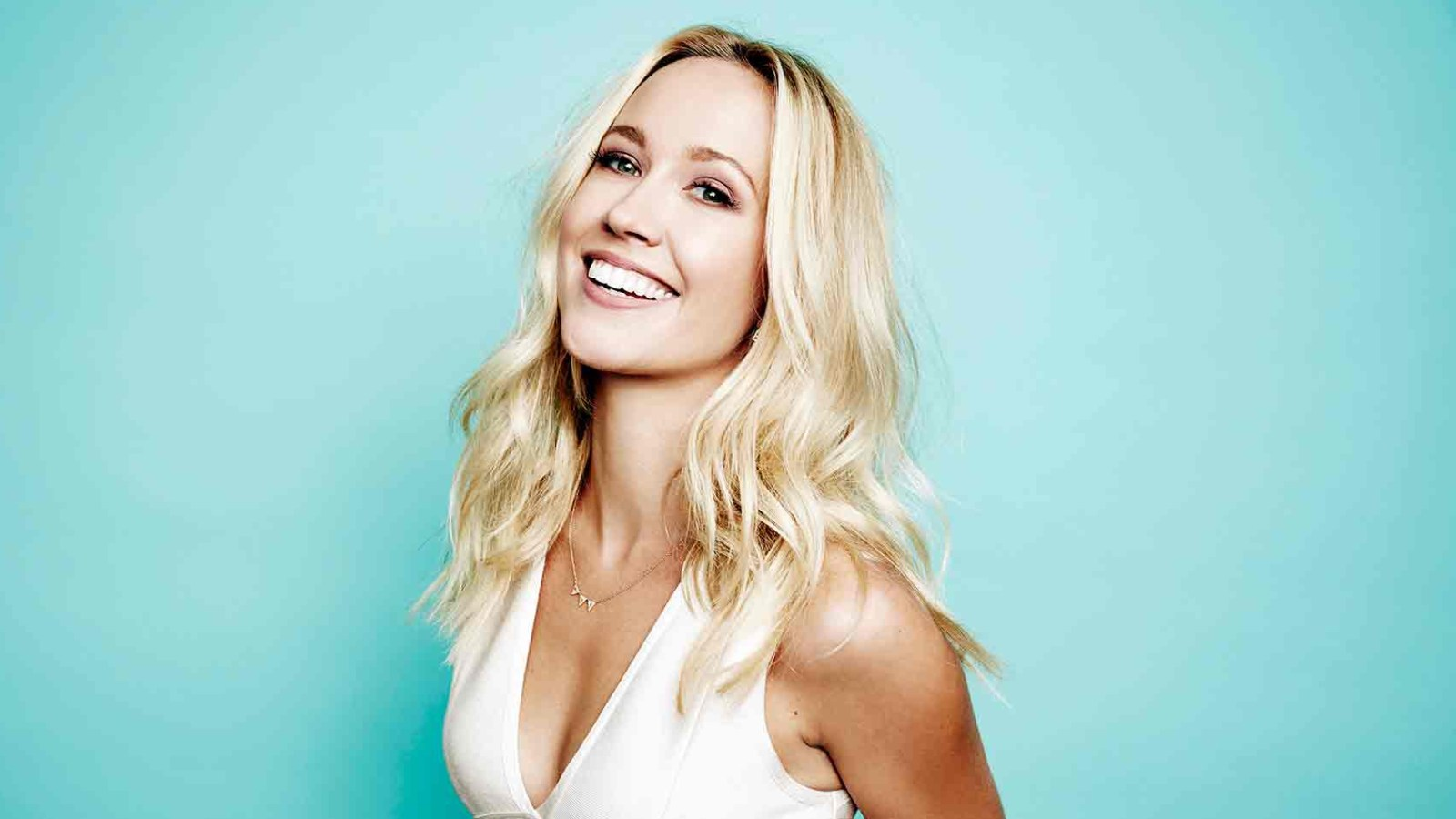 Anna Camp Archives - Us Weekly