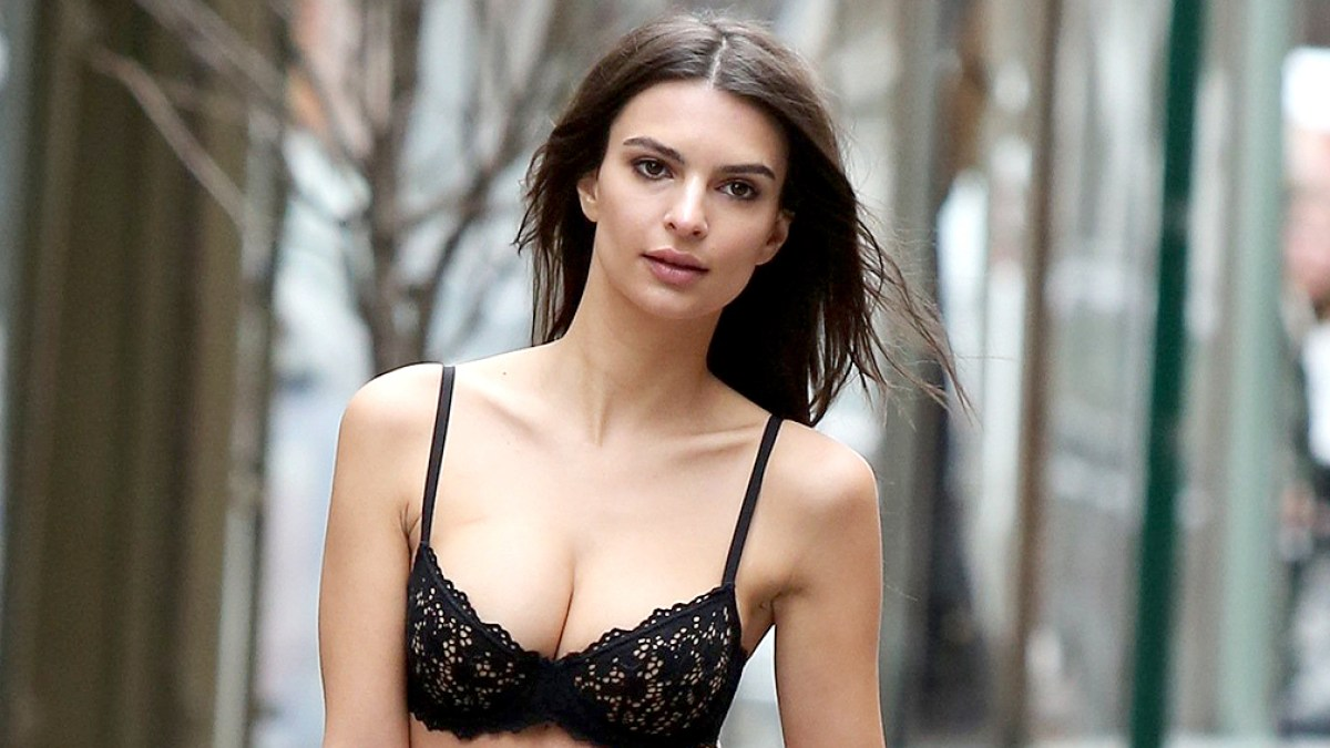 9e128066122 Emily Ratajkowski Walks Her Dog in Bra, Underwear for DKNY