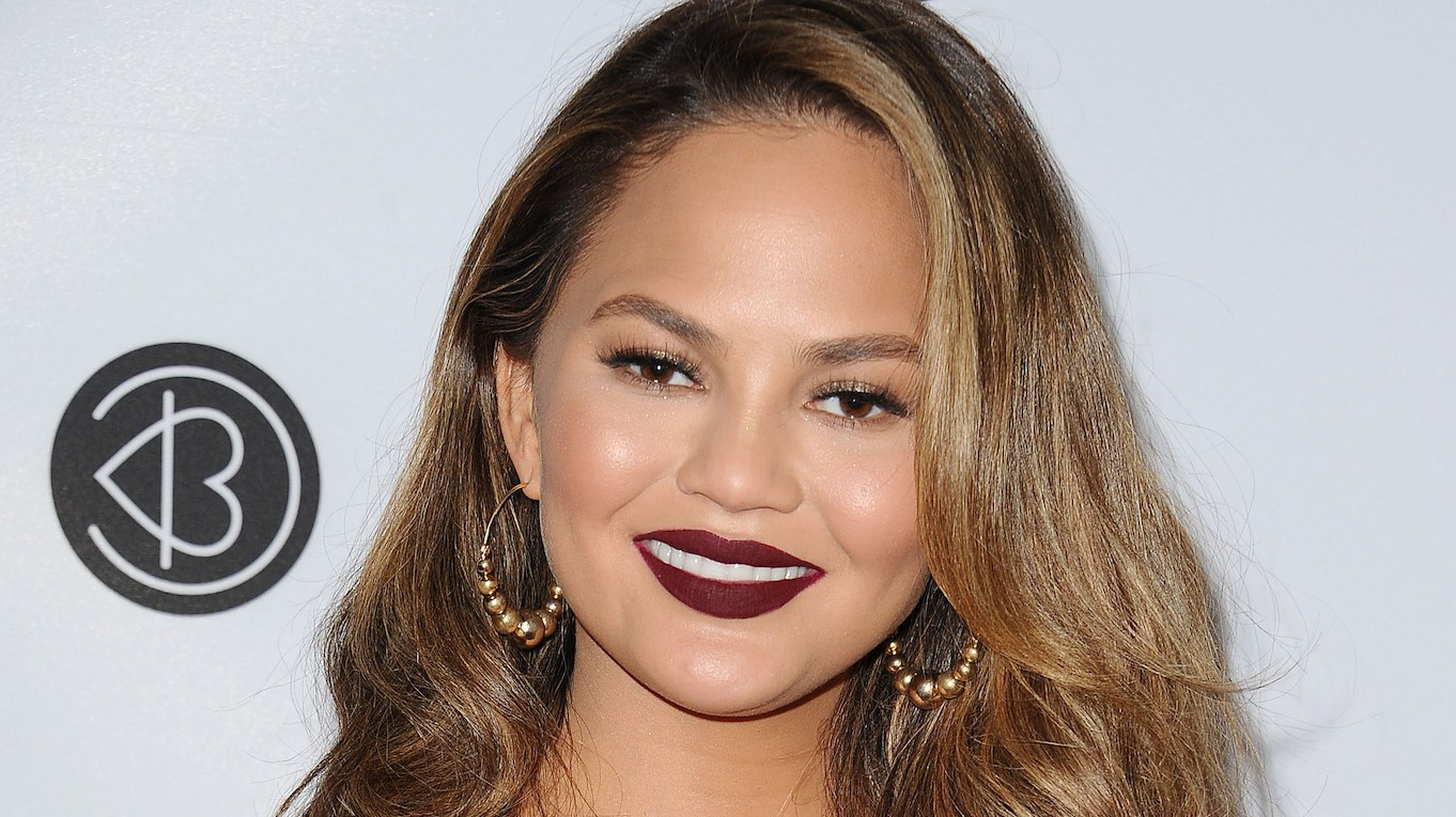 Chrissy Teigen Hits Back After Being Criticized for Ballerina Pose