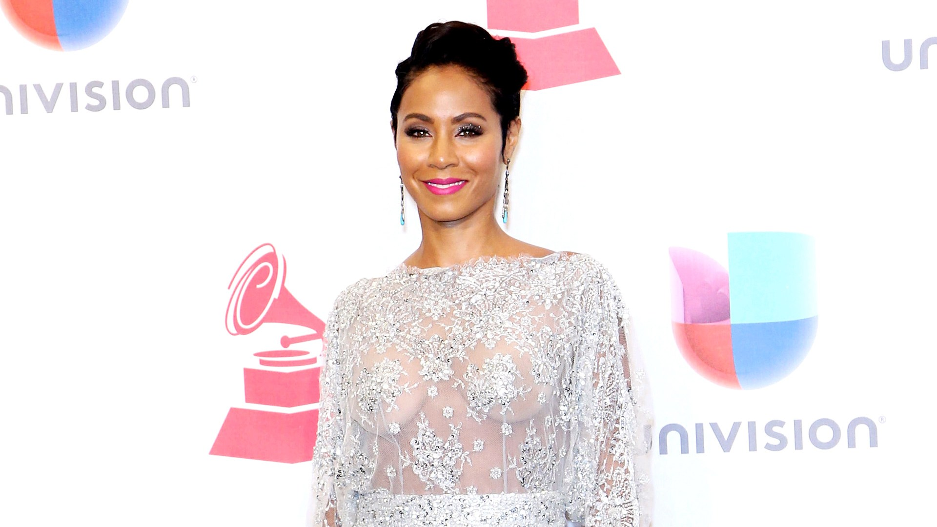 Jada Pinkett Smith poses in the press room during the 16th Latin GRAMMY Awards at the MGM Grand Garden Arena on November 19, 2015 in Las Vegas, Nevada.