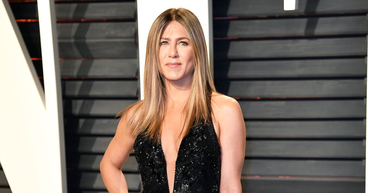 Jennifer Aniston Wears Jennifer Lopez\'s Plunging Dress to Oscars: Photos