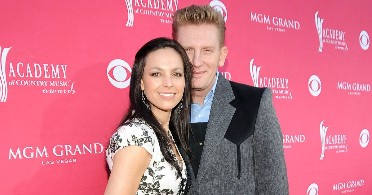 Joey Feek Dead at 40: Country Music Singer Mourned by Husband Rory