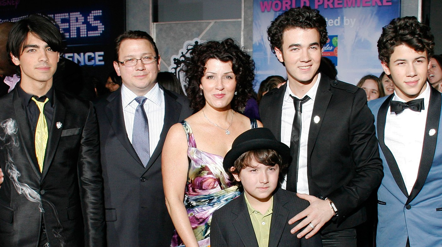 Jonas Family