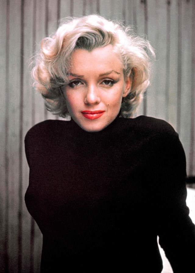 marilyn monroe's hair expected to sell for $8k at auction