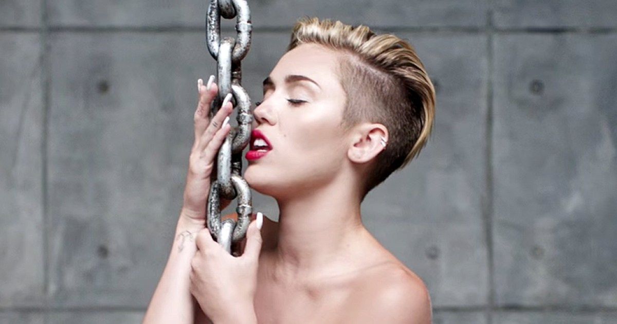 Miley Cyrus Talks Naked Wrecking Ball Video Aldrig-8316
