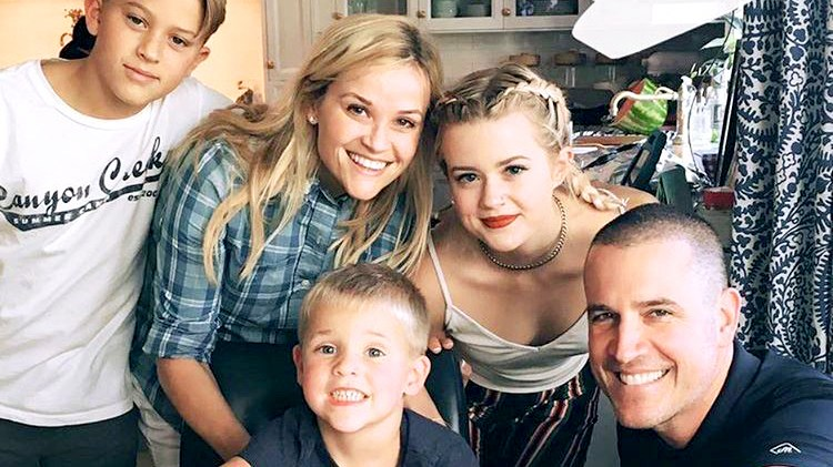 Reese Witherspoon, Jim Toth, Deacon, Ava and Tennessee