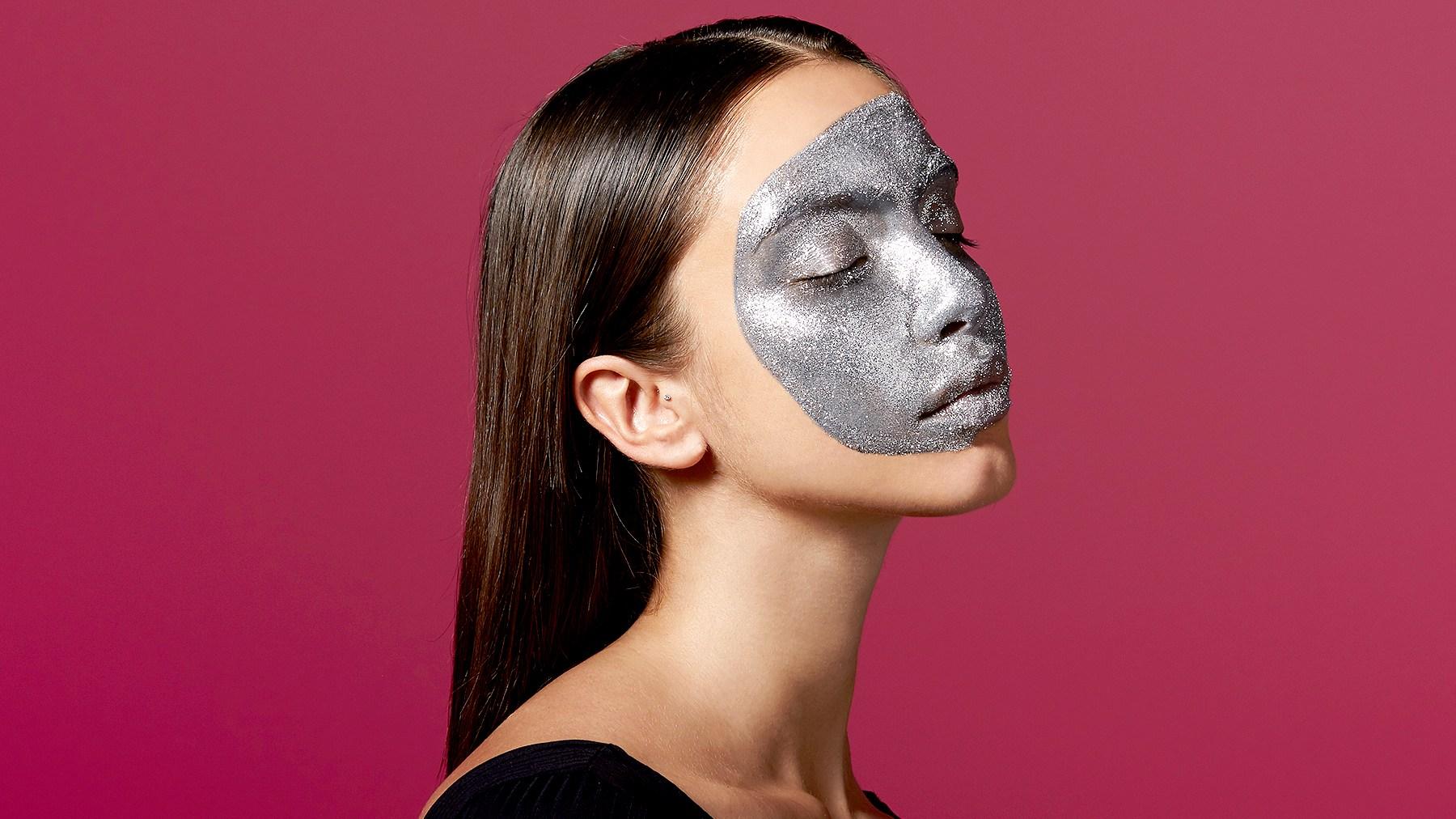 silver-face-mask-4ecbaefd-ae18-48bf-8ec6-15bb7728c08a
