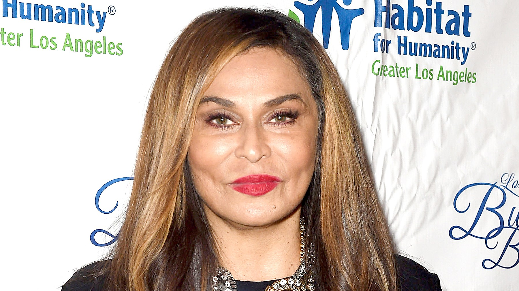 Tina Knowles Lawson arrives at the Habitat LA 2017 Los Angeles Builders Ball at The Beverly Hilton Hotel on September 28, 2017 in Beverly Hills, California.