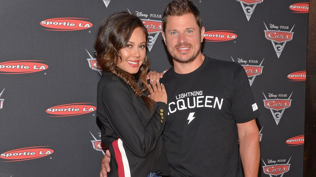 Nick Lachey Searches Through Garbage To Find Vanessas Wedding Ring