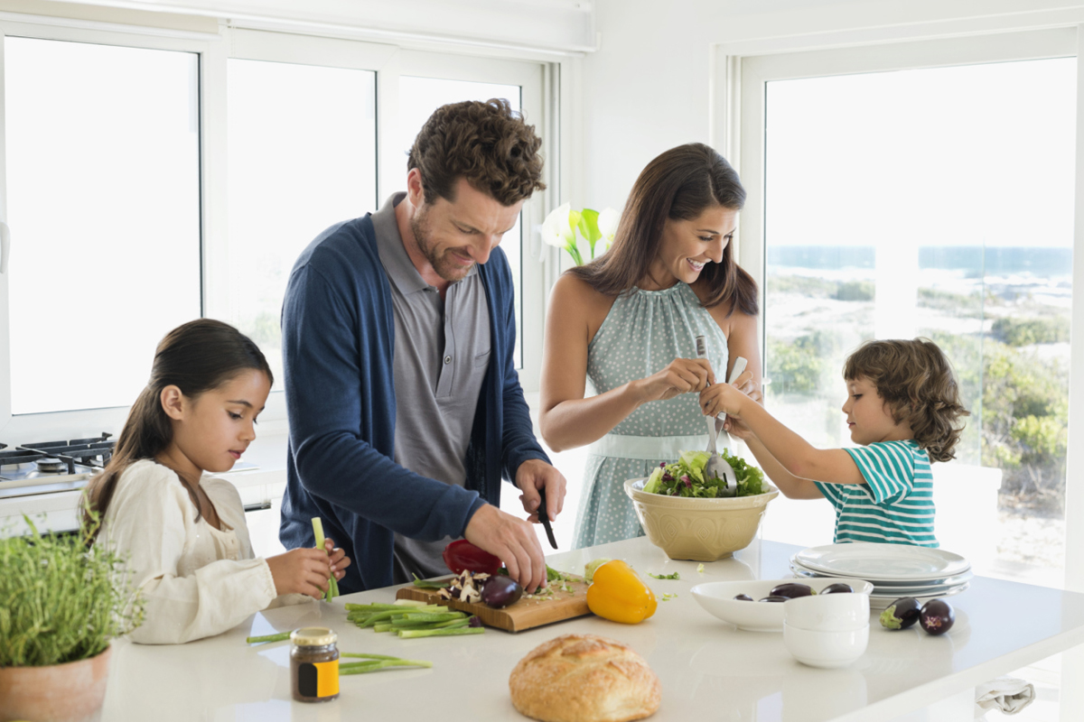 5 Mistakes Parents Make When Feeding Their Kids  Eat