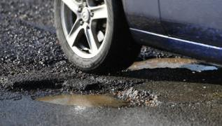 Budget 2018: Extra £420m to tackle potholes 2