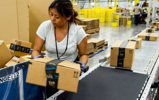 Amazon's competitors are catching up, says former Toys R Us CEO 3