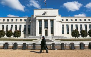 Fed reportedly ready to change more banking regulations 2