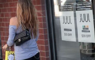 Juul e-cigarette maker boosts lobbying spending by 452% 4
