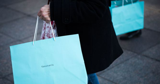 Tiffany's stock plunges as weaker Chinese tourism puts a dent in sales 9
