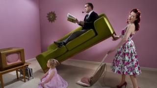 Watchdog bans 'harmful' gender stereotypes in adverts 1