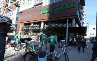 Whole Foods removes packaging with a cancer-linked chemical  3