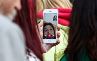 Apple apologizes for massive FaceTime flaw, fix now coming next week 2