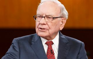 What to watch for in Warren Buffett's annual shareholder letter this week 2