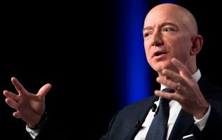 Amazon falls on fears of regulation in India and increased spending 3