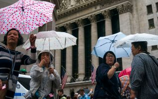 earnings recession fears grip Wall Street, three experts weigh in 1