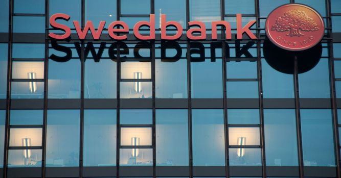 Swedbank dismisses chief executive after money laundering allegations 8