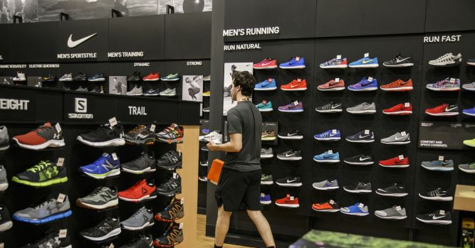 Nike shares are falling as the sneaker maker warns of a sales slowdown 4