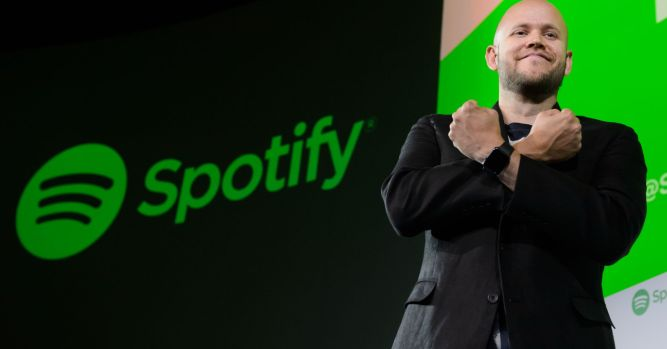 Music streaming services turn to original content, bundled services 1