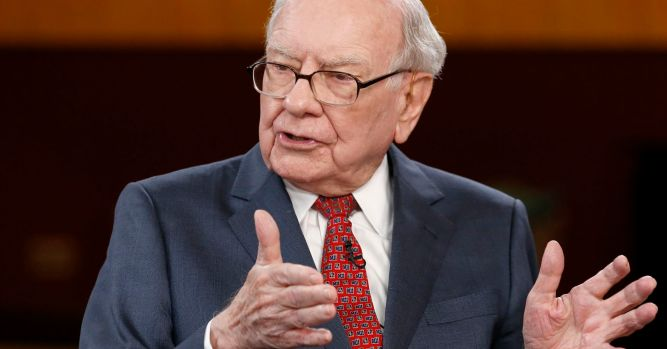 Watch Warren Buffett speak at The Gatehouse's Hands Up for Success luncheon 3