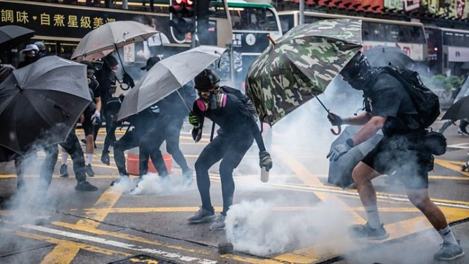 Apple drops Hong Kong police-tracking app used by protesters 2