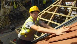 General election 2109: Leaders woo business with tax and apprenticeship vows 3